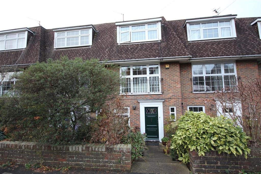 4 Bedrooms Terraced House for sale in Cornwall Gardens, Surrenden, Brighton