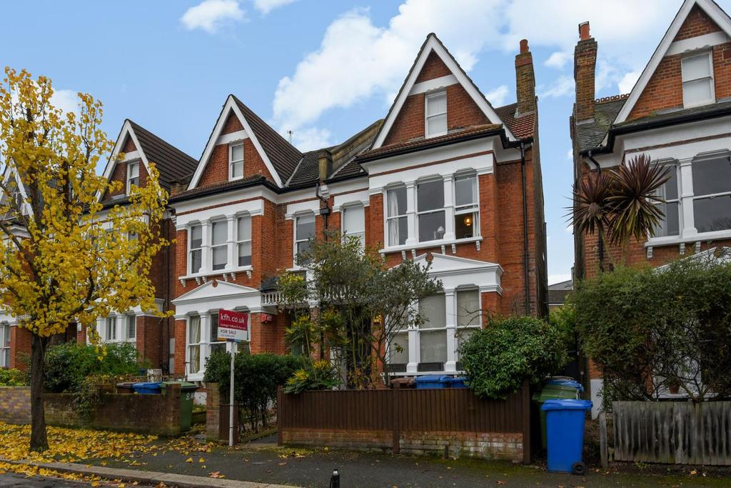 2 Bedrooms Flat for sale in Wyneham Road, Herne Hill, SE24