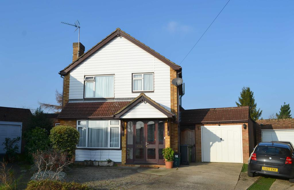 3 Bedrooms Detached House for sale in Barnfield Close, Hoddesdon EN11