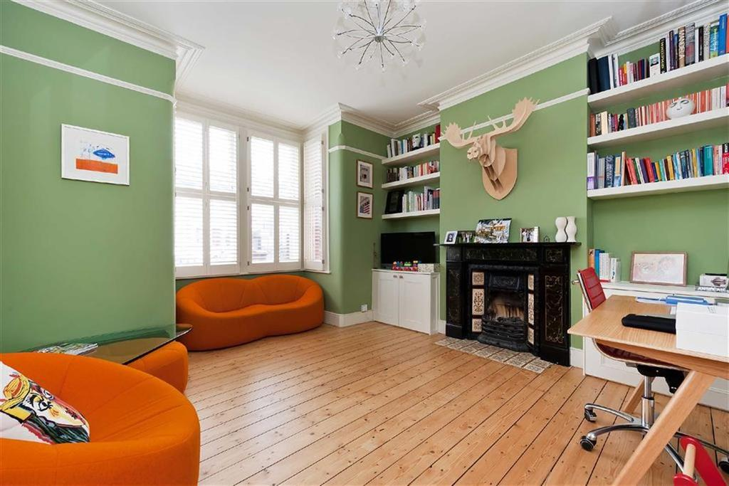 2 Bedrooms Flat for sale in Underhill Road, London