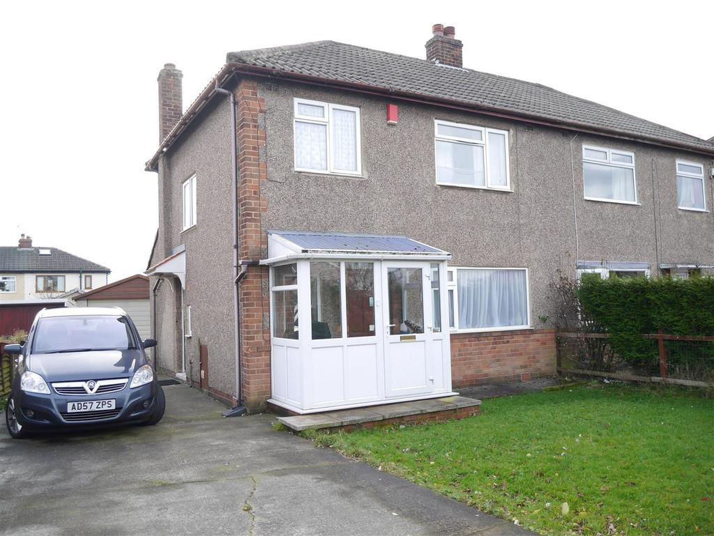3 Bedrooms Semi Detached House for sale in Wrose Grove, Wrose, Bradford, BD2 1PQ