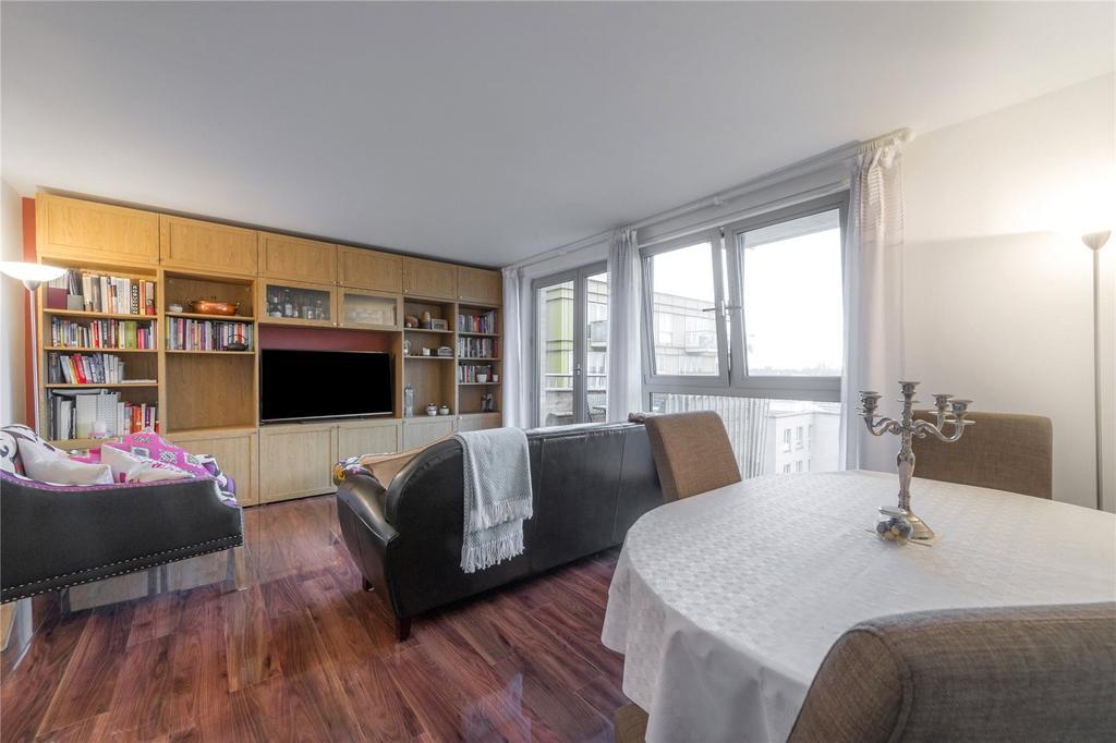 2 Bedrooms Flat for sale in Carronade Court, Eden Grove, London