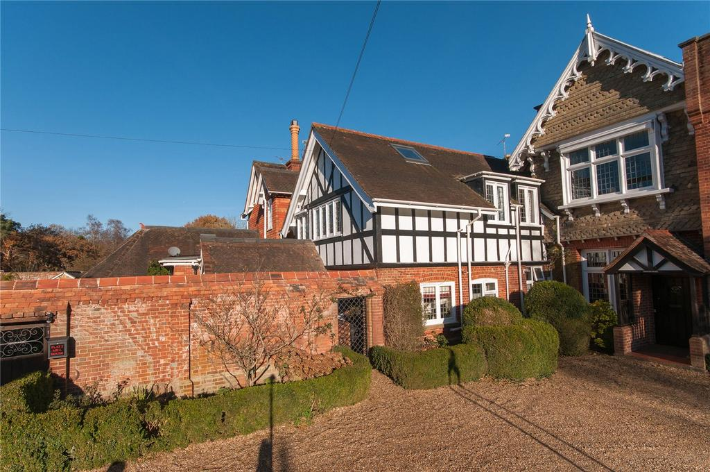 2 Bedrooms Apartment Flat for sale in Mill House, Mill Road, Holmwood, Dorking, RH5