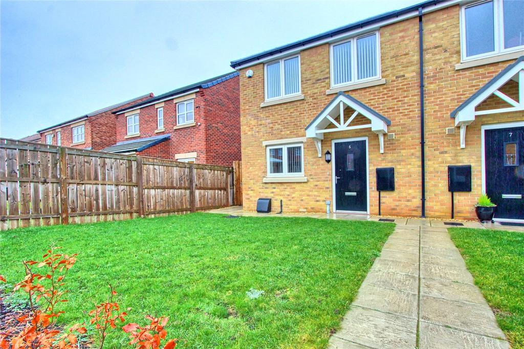 3 Bedrooms House for sale in Raines Court, Longlands
