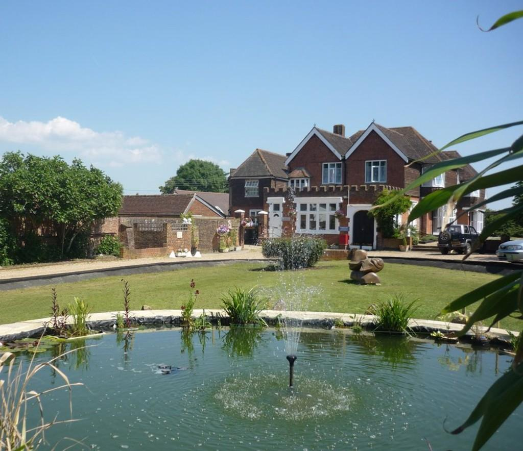 20 Bedrooms Detached House for sale in FAYGATE