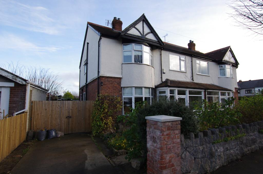4 Bedrooms Semi Detached House for sale in Kensington Avenue, Old Colwyn