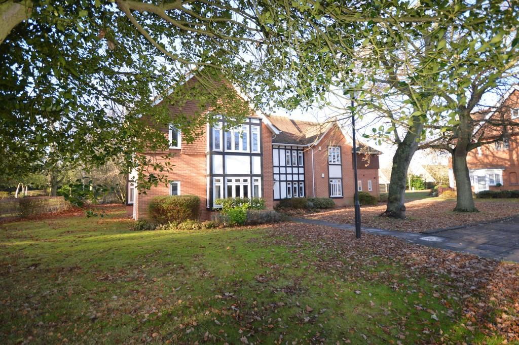 2 Bedrooms Apartment Flat for sale in Lexden Road, Colchester