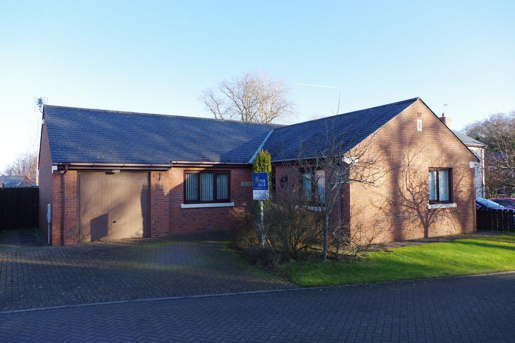 3 Bedrooms Detached Bungalow for sale in Chapel Field, Thurstonfield