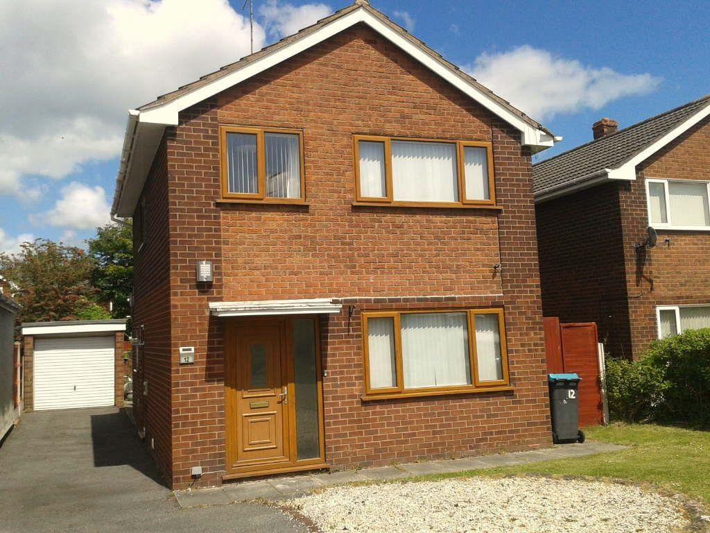 3 Bedrooms Detached House for sale in Ffordd Lerry, Wrexham