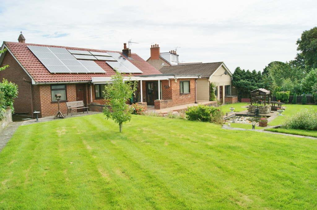 3 Bedrooms Detached Bungalow for sale in Tanyfron, Wrexham