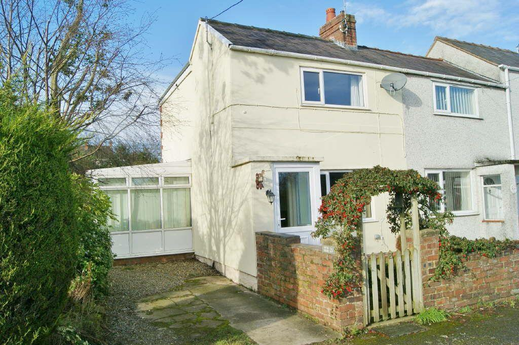 2 Bedrooms Semi Detached House for sale in Vron, Tanyfron, Wrexham