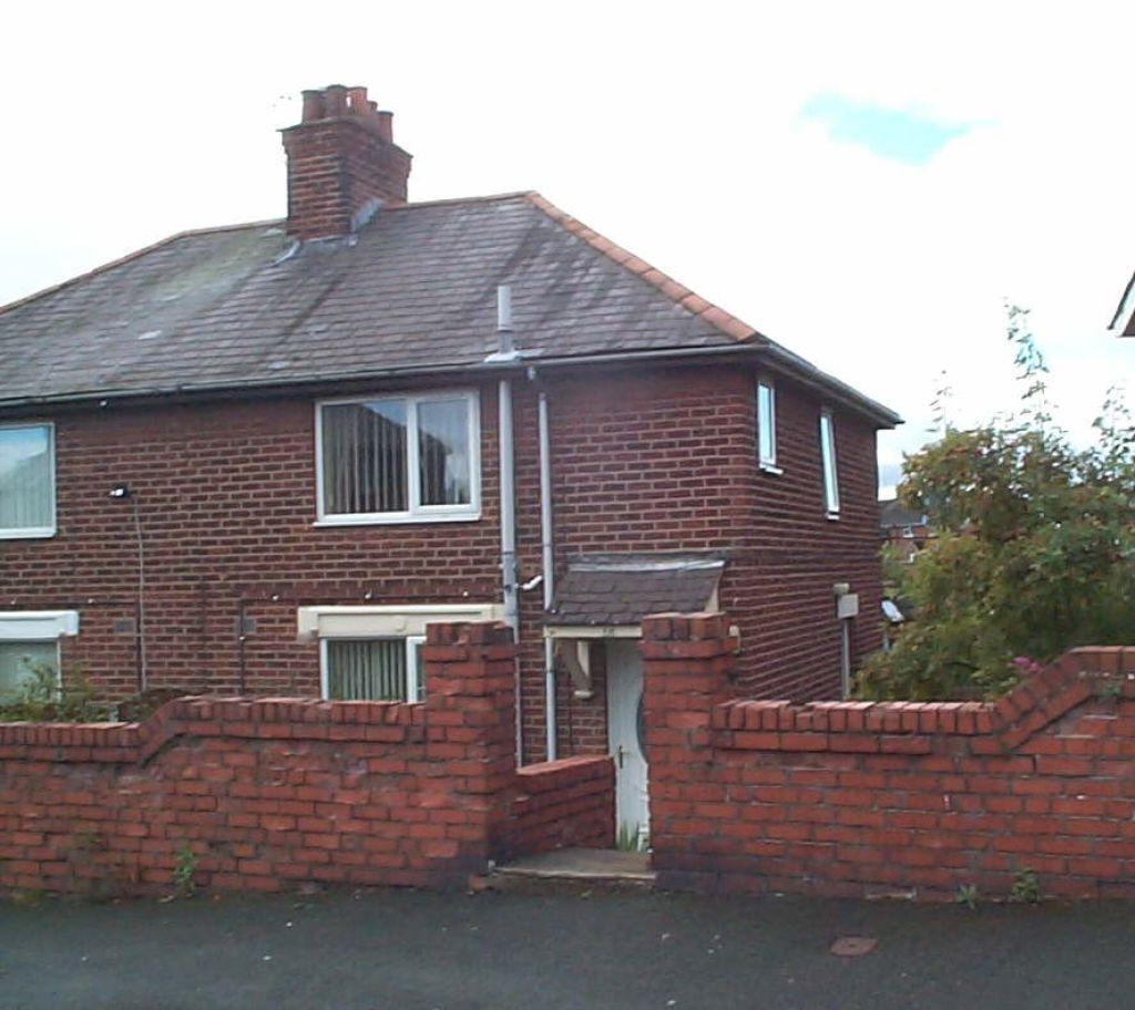3 Bedrooms Semi Detached House for sale in Holborn Crescent, Brynteg