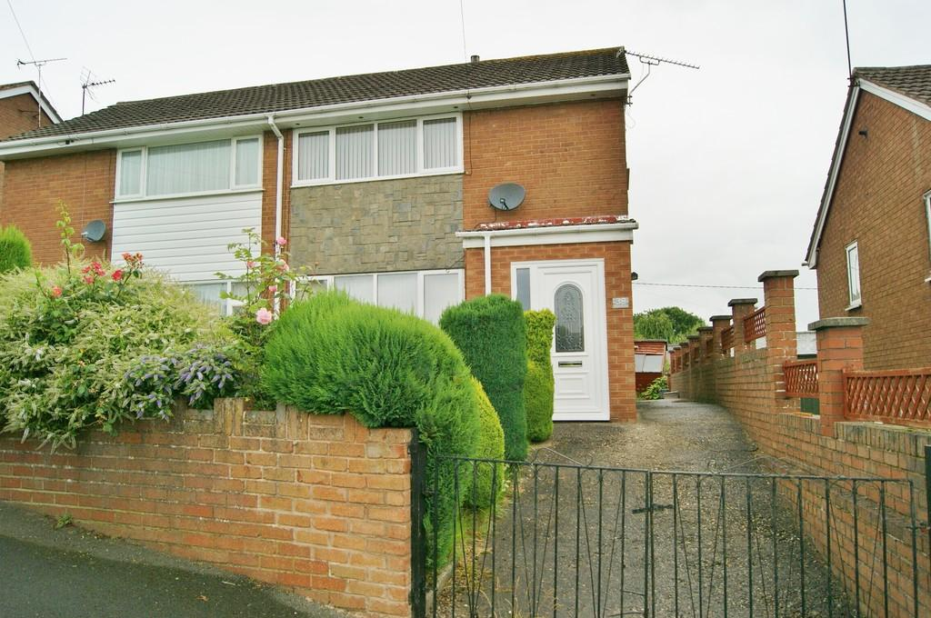 4 Bedrooms Semi Detached House for sale in Bryn Drive, Coedpoeth, Wrexham