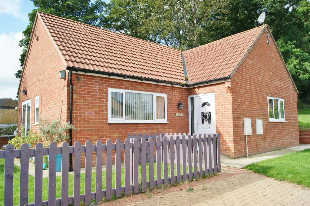 3 Bedrooms Detached House for sale in Gwersyllt, Wrexham