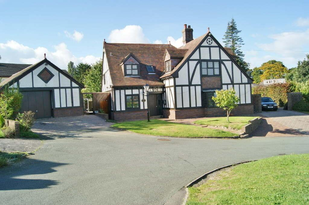 4 Bedrooms Detached House for sale in Little Acton, Wrexham