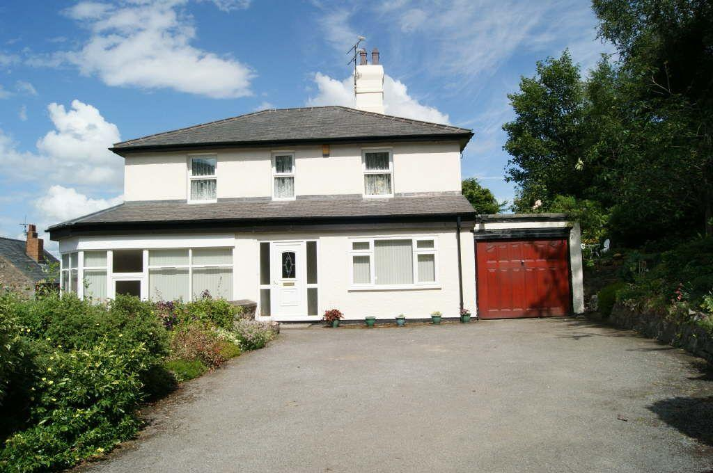 4 Bedrooms Detached House for sale in Wrexham Road, Caergwrle, Wrexham