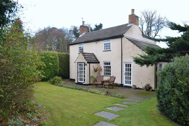 3 Bedrooms Detached House for sale in Scotter Road, Laughton