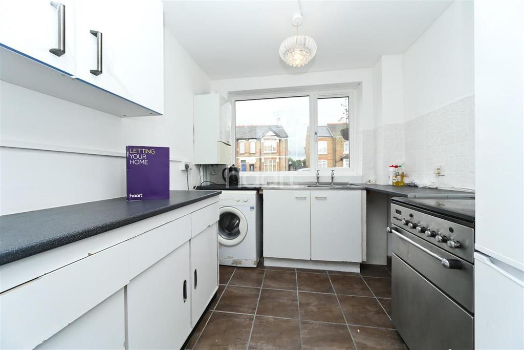 2 Bedrooms Maisonette Flat for rent in Cowley Mill Road, Uxbridge, UB8