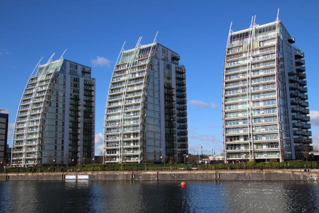3 Bedrooms Apartment Flat for sale in NV Buildings, 96 The Quays, Salford Quays, Salford, M50