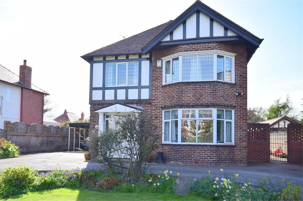 4 Bedrooms Detached House for sale in Headroomgate Road, Lytham St Annes, FY8