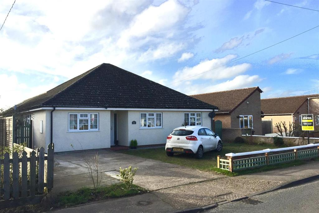 4 Bedrooms Detached Bungalow for sale in Aspal Lane, Beck Row