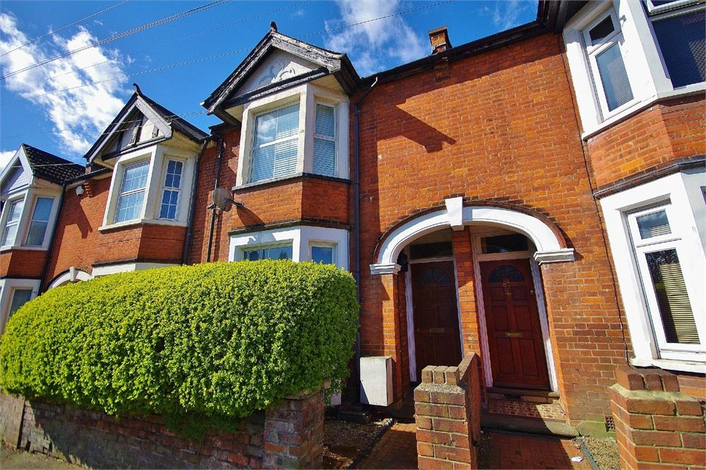 1 Bedroom Apartment Flat for sale in Gammons Lane, Watford, Hertfordshire, WD24