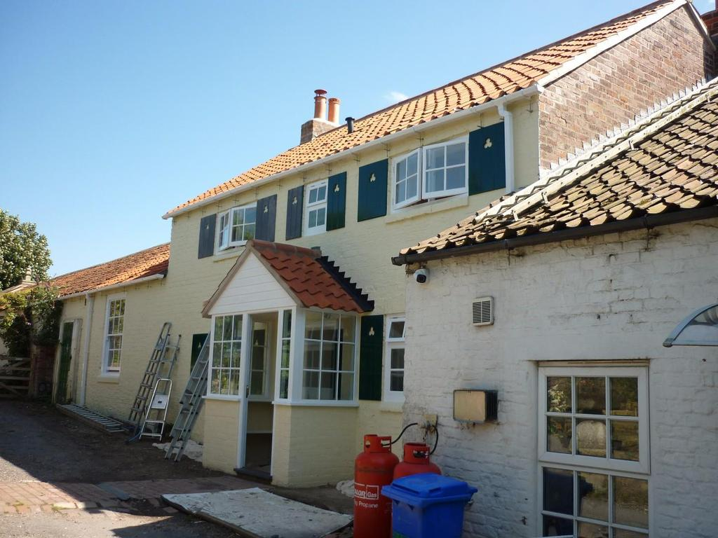 2 Bedrooms House for sale in Hunmanby Road, Burton Fleming, Driffield
