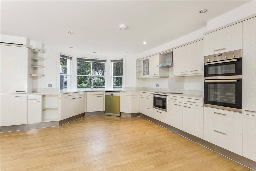 4 Bedrooms Terraced House for sale in Lillieshall Road, Clapham, London, SW4
