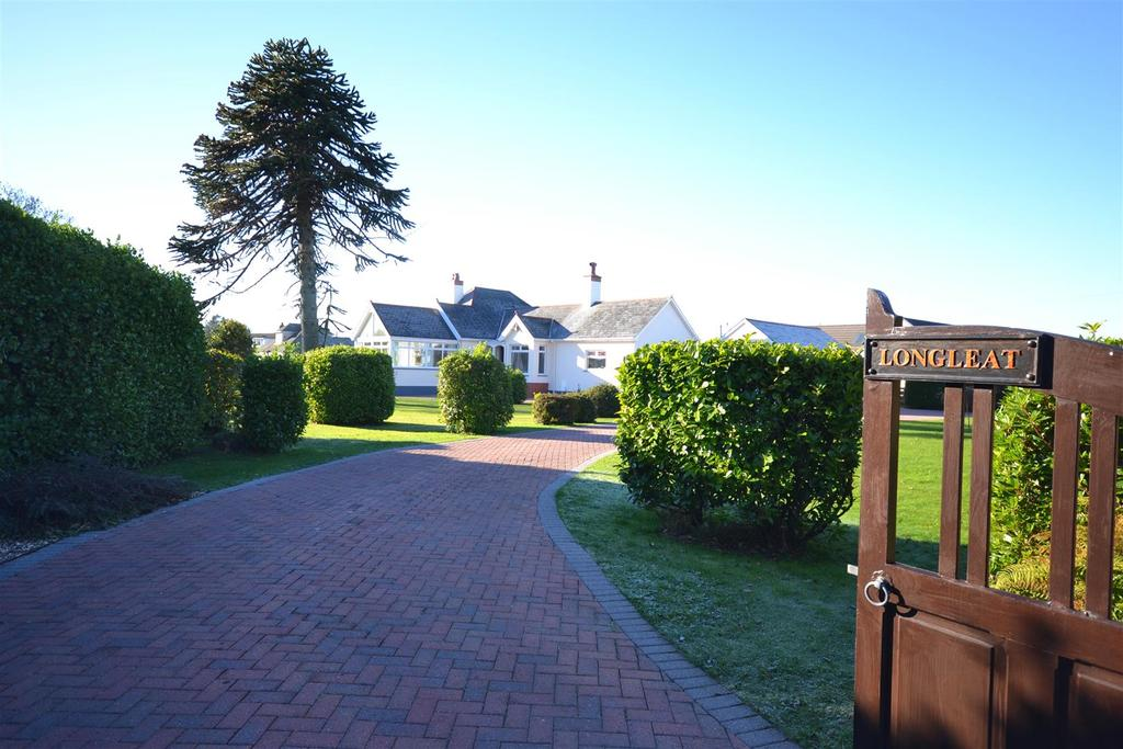 3 Bedrooms Detached Bungalow for sale in Johnston