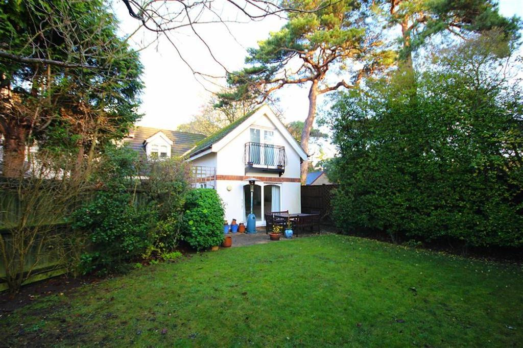 3 Bedrooms End Of Terrace House for sale in Christchurch Road, Bournemouth, Dorset