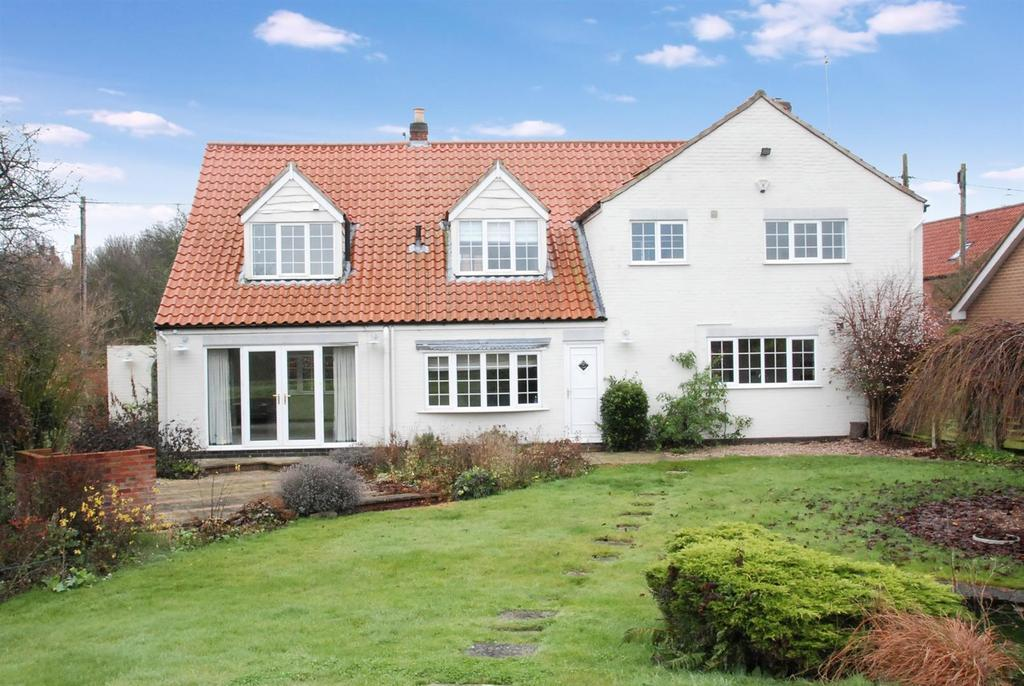 4 Bedrooms Detached House for sale in High Street, Holme, Newark
