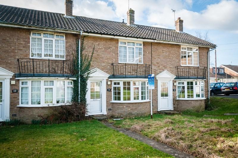 2 Bedrooms Terraced House for sale in Michelham Road, Uckfield