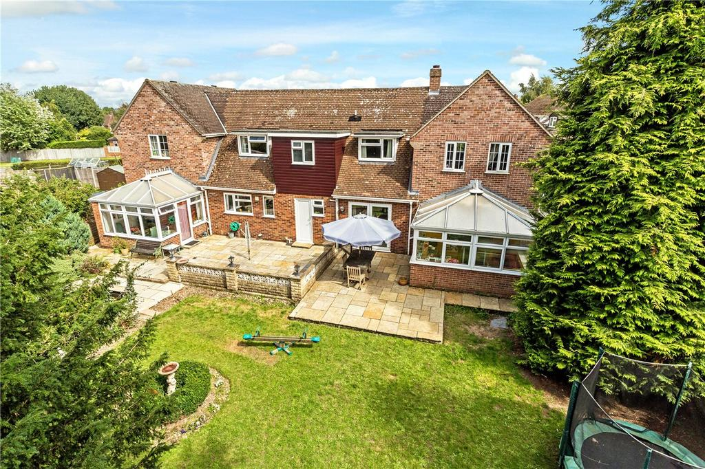 4 Bedrooms Detached House for sale in Chandos Road, Newbury, Berkshire, RG14