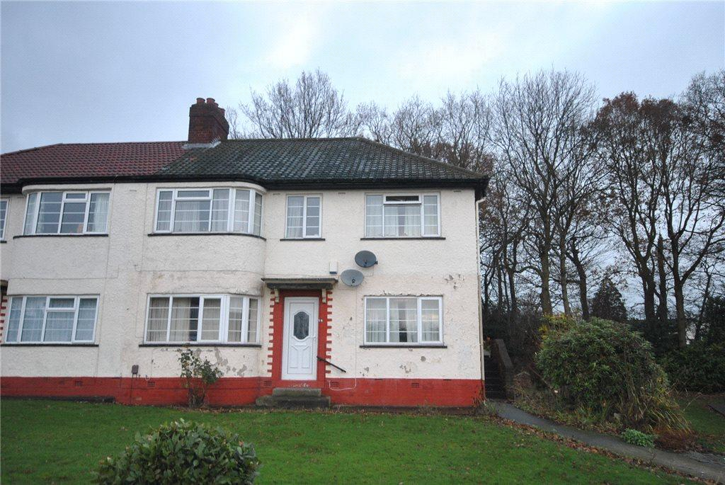 2 Bedrooms Apartment Flat for sale in Redesdale Gardens, Adel, Leeds, West Yorkshire