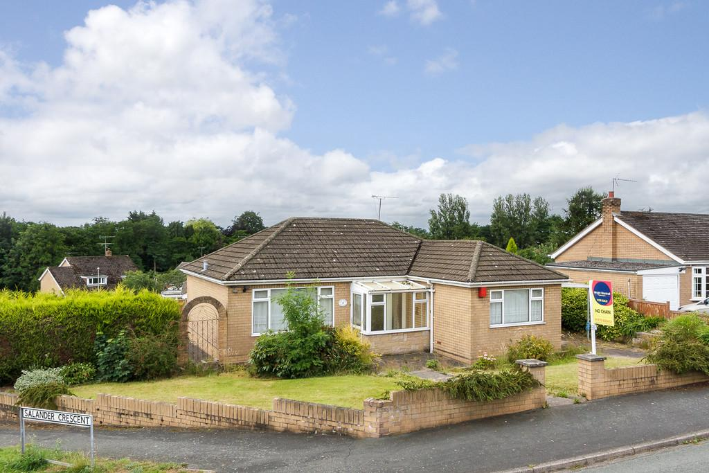2 Bedrooms Detached Bungalow for sale in Wistaston, Cheshire