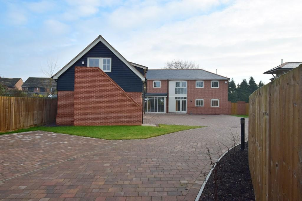 4 Bedrooms Detached House for sale in Haywood Drive, Long Melford