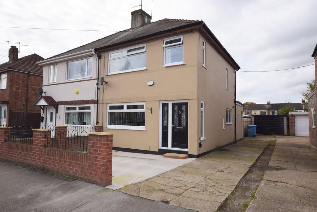 3 Bedrooms Semi Detached House for sale in Windsor Road, Hull