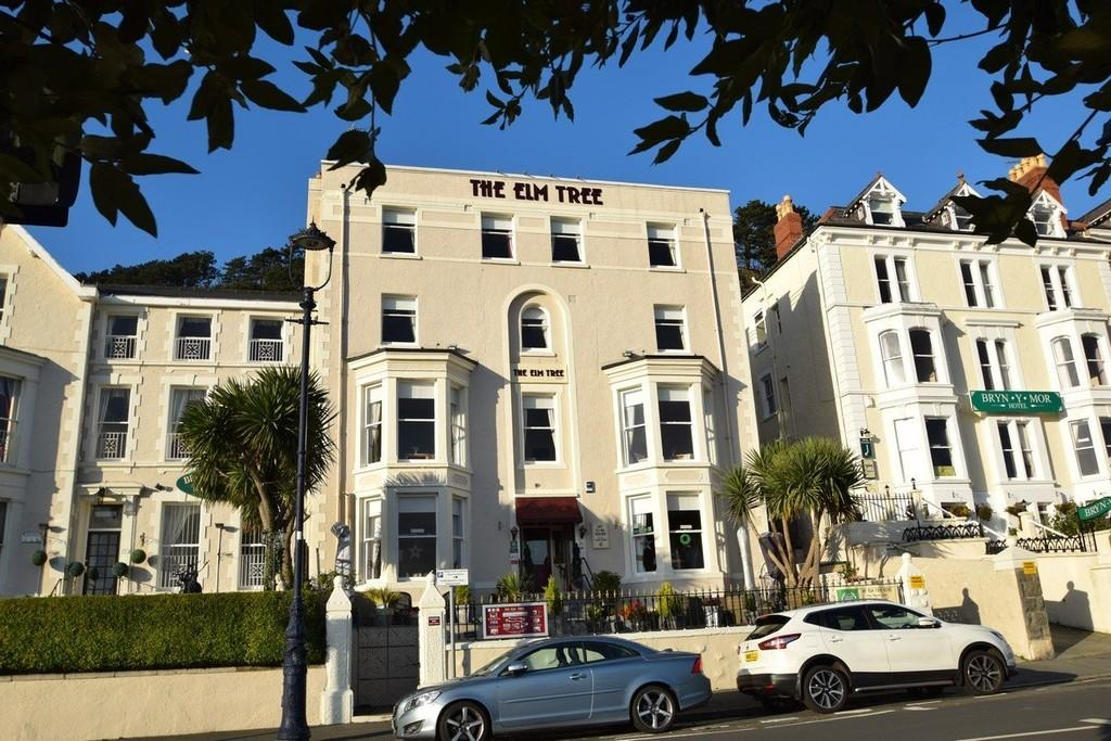 14 Bedrooms Land Commercial for sale in The Elm Tree Hotel, North Parade Promenade, Llandudno
