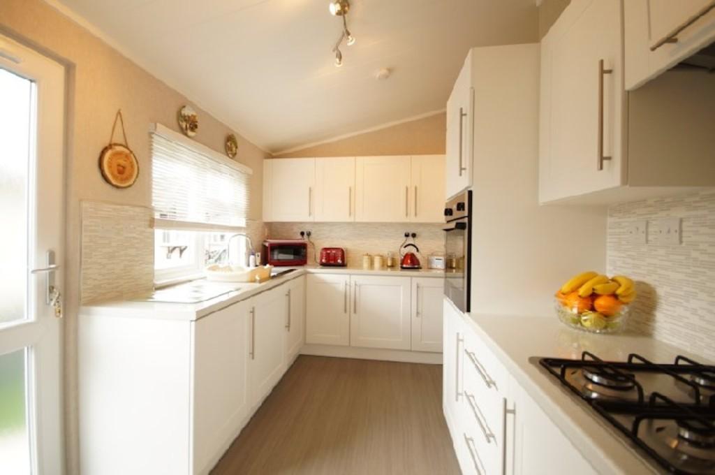 2 Bedrooms Park Home Mobile Home for sale in Kensington Grove, Little London Park, Torksey Lock, Lincoln