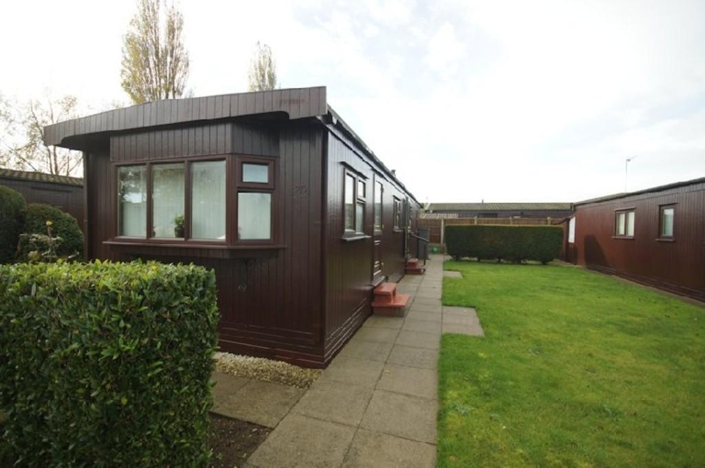 2 Bedrooms Mobile Home for sale in Alpine Crescent, The Elms, Torksey
