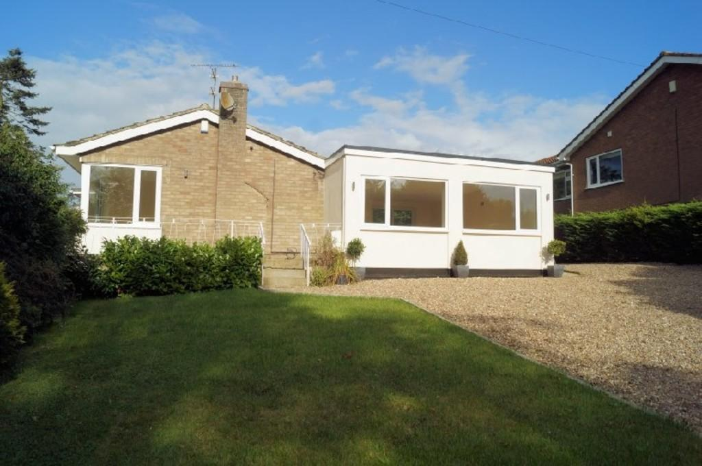 3 Bedrooms Detached Bungalow for sale in Station Road, Waddington