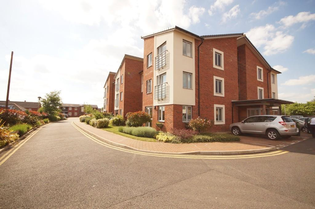 2 Bedrooms Ground Flat for sale in Avalon Court, Newport, Lincoln