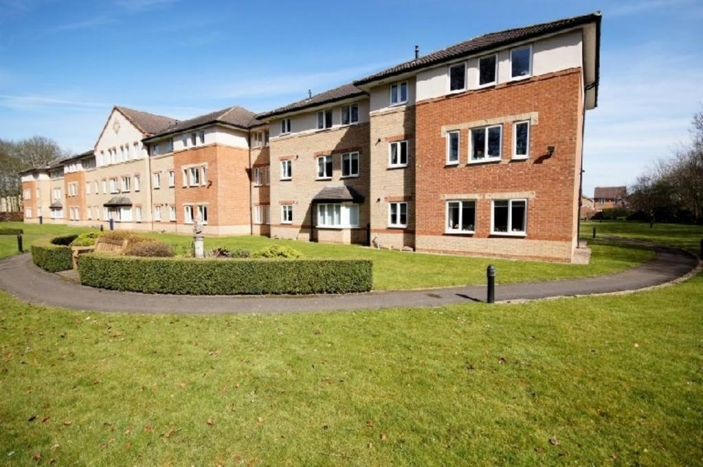 2 Bedrooms Apartment Flat for sale in Minster Court, Bracebridge Heath, Lincoln