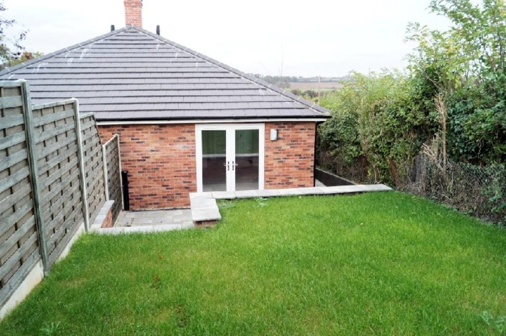 2 Bedrooms Semi Detached Bungalow for sale in Lincoln Road, Washingborough, Lincoln