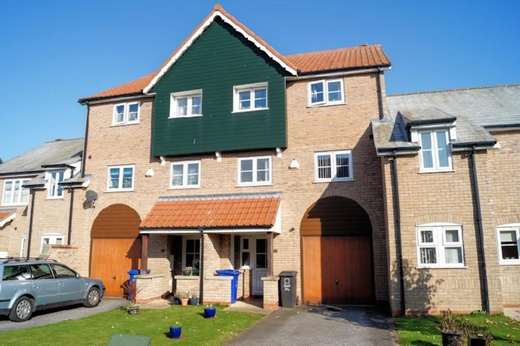 4 Bedrooms Town House for sale in Marine Approach, Burton Waters
