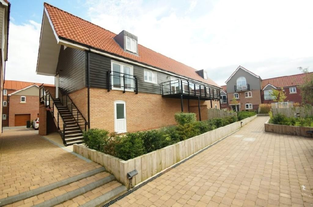 2 Bedrooms Semi Detached House for sale in The Quays, Burton Waters