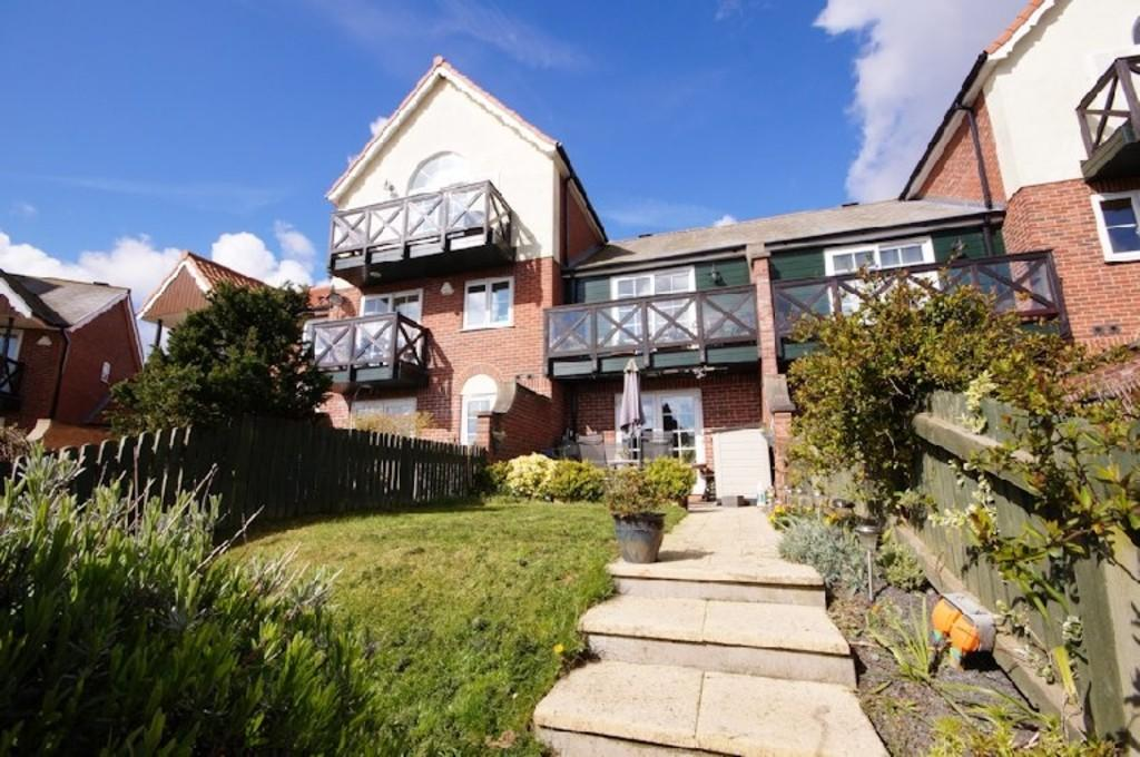 2 Bedrooms Town House for sale in Park Lane, Burton Waters