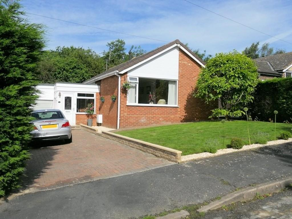 3 Bedrooms Detached Bungalow for sale in Orchard Way, Nettleham