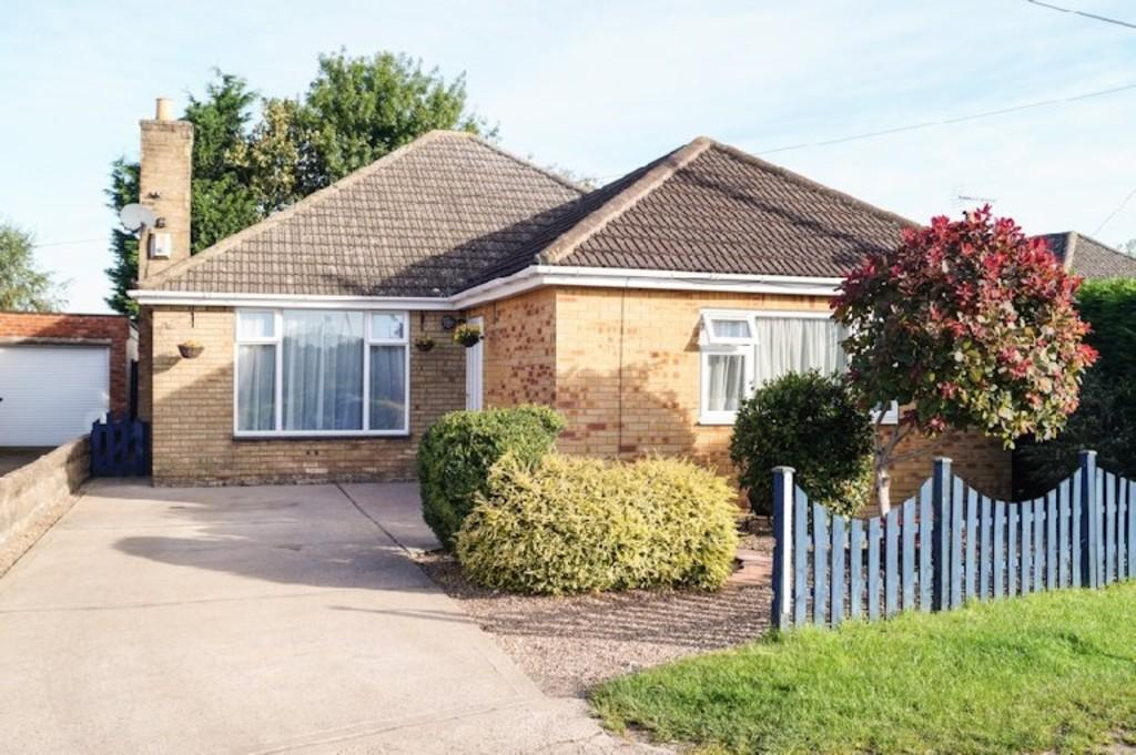 3 Bedrooms Detached Bungalow for sale in West Bank, Saxilby