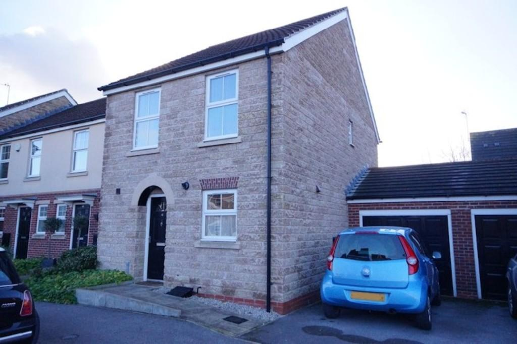 3 Bedrooms Town House for sale in Appleby Way, Lincoln
